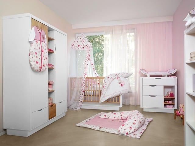 esprit: babyausstattung, kapuzenhandtücher, baby-schlafsäcke und
