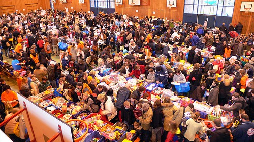 Kinderflohmarkt - 3 Minuten nach Öffnung