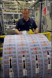 Im Pampers Werk Euskirchen werden pro Tag mehrere Millionen Pampers produziert und verpackt.