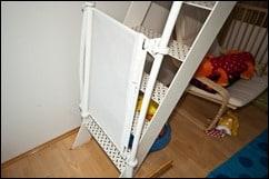 Kiddy Guard Treppenschutzgitter an freistehender Treppe