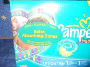Die neue Baby Dry Aufkleber Testpackung Extra Absorbing Zones