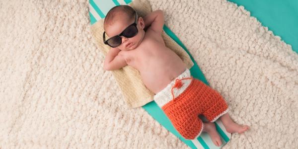 Sommer-Hitze: die besten Tipps zur Abkühlung für coole Babys