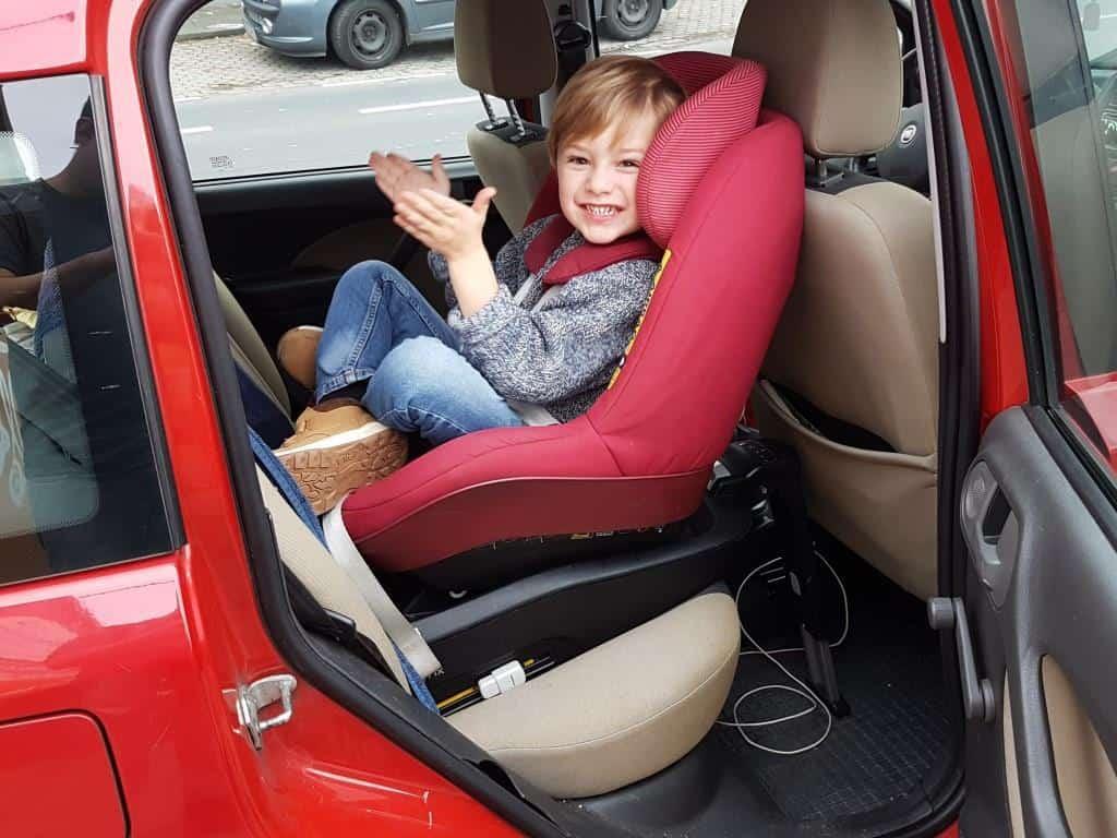 3jähriger im Reboarder Fiat Panda