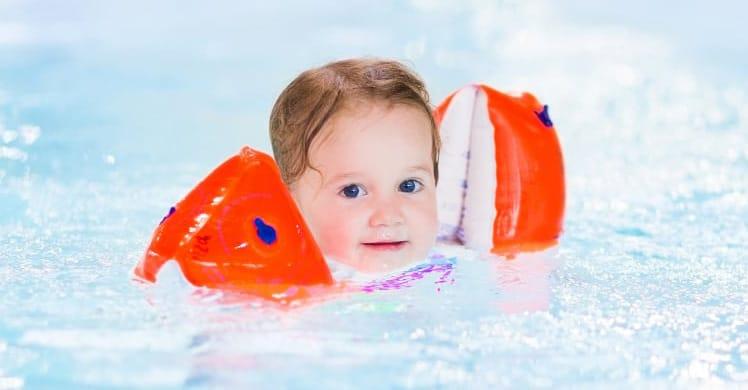 Schwimmflügel im Test 2019 - das sind die besten Schwimmhilfen