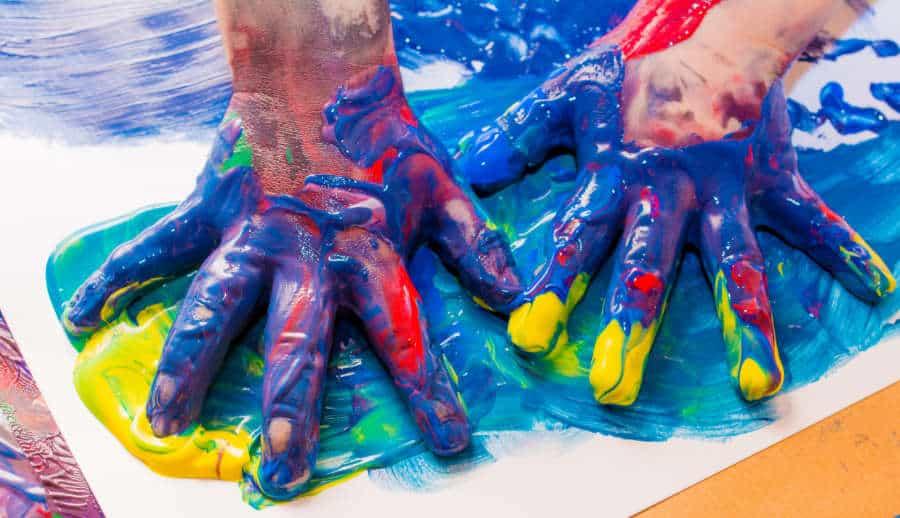 Rückruf: IDENA Fingermalfarben wegen Keimen zurückgerufen (© Adobe Stock / lorenza62)
